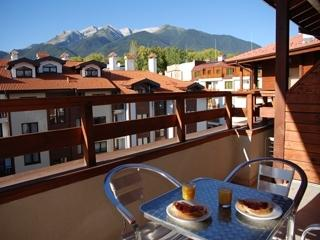 Spa & Ski Apartments 5 Minute Gondola walk, Bansko