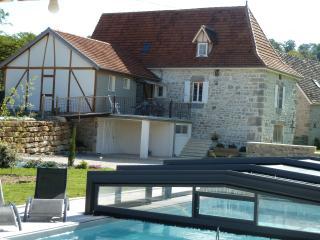 Chaleureuse Maison de Campagne Du Quercy Renovee