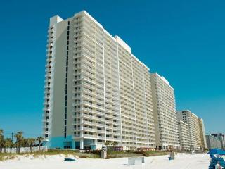 Pools, hot tubs, fitness gym, walk to beach!, Panama City Beach