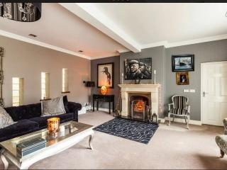 As Good As It Gets..SLEEPS 10, Belfast