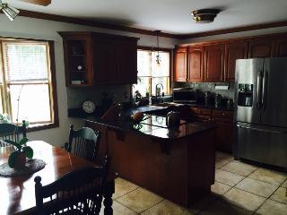 Large Beautiful Home near Mystic/Casinos, Ledyard