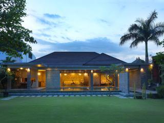 Grand Royal Two Bedroom Pool Villa, Jimbaran