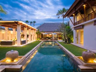 Villa Lilibel - an elite haven, 6BR, Seminyak