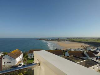 PENTHOUSE FLAT stunning views, luxury accommodation in Newquay Ref 928902