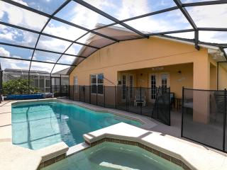 Superb 4 Bedroom Home, just 3 minutes from Disney, Kissimmee