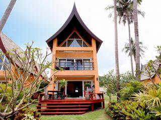 Siam Sunrise Villa 4 BR House on Beachfront, Ko Chang