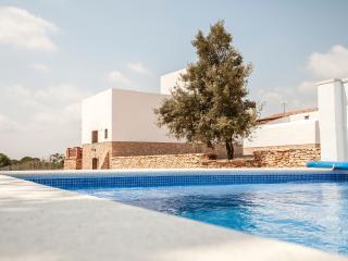 Mas del Porta: casa de campo de 2 habitaciones con piscina privada.