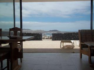 Bungalow Tofyzi in Famara for 4 guests