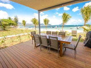 L'Escale  Beachfront Duplex by Dream Escapes