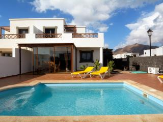 CASA VITTURI (pvt heated pool), Playa Blanca