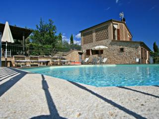 Cozy holiday home panoramic views over the rolling Tuscan hills in Siena area