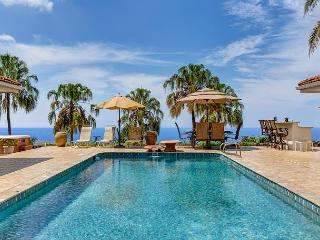Heavens, Spaciouis 4 Bedroom with Pool and Great Ocean Views-PHHeaven, Kailua-Kona