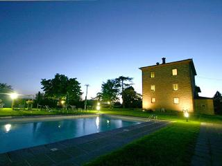 Villa Paola-perfect for big groups, Cortona