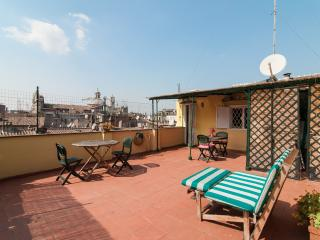 Apartment with terrace, Roma