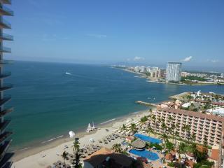 Modern 20th Floor ICON Condo w/ Ocean View