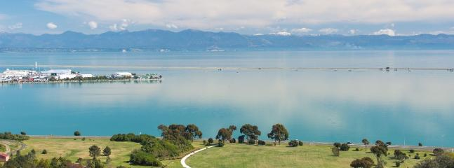 Aqua Heights New Holiday Apartment Central Nelson with Exceptional Views!