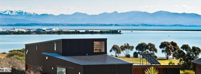 Haven View Architectural Nelson Holiday Home