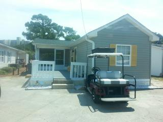 Bright & Beachy w/ Golf Cart! - 181 Oceanside Dr., Surfside Beach