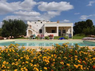 """Villa """"Lamia Quercelli"""", con piscina"""