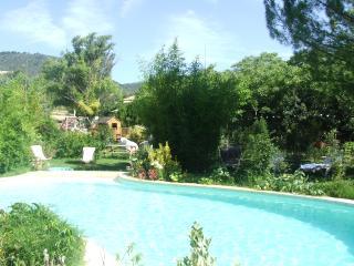 gite lepimayon  t 5    1 2 6 4      acces a la piscine du domaine en campagne