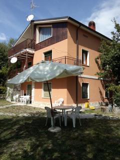 Villa sul Lago con giardino