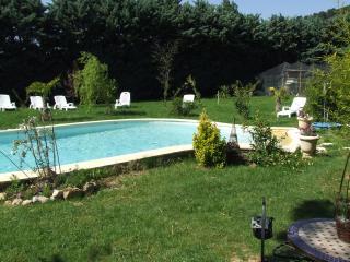 gite lepimayon  t3 1168 meuble en campagne avec piscine