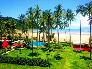 Beachfront  Studio Apartment with Sea View, Ko Chang