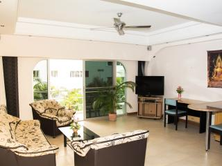 Luxury 1 Bed Condo 100m From Beach, Pattaya