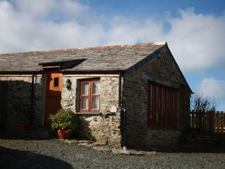 Little Pol Character Converted Barn with sea views, Boscastle