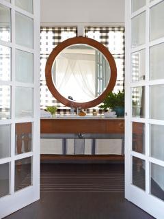 Ensuite to master bedroom , ocean views refelcted in the mirror