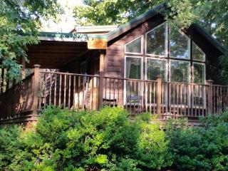 Mendelbaum Winery Plum Cabin, Fredericksburg