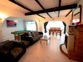 Ideal house for Easter, Family  holidays & celebrations, New Romney
