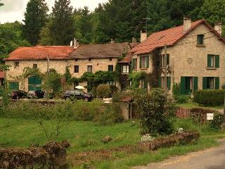 Grandmont Gites | Les Fleurs | Heated Pool, Ambazac