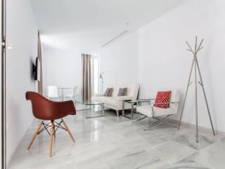 Céspedes 1 apartment in Santa Cruz – Catedral with WiFi, airconditioning & lift., Sevilla