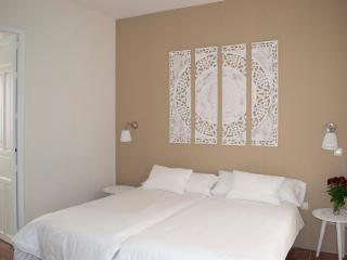 Apt. centro 2 Dormitorio y 2 Baños, Sevilla