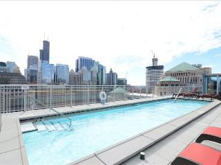 1BR Suite: Heart of River North, Chicago