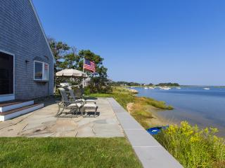LEONB - Waterfront with Outstanding Views,  Main and Guest House Complex, Swim, Kayak, Spectacular Sunsets,  Expansive Slate Patio at Water's Edge, A/C, WiFi, Edgartown
