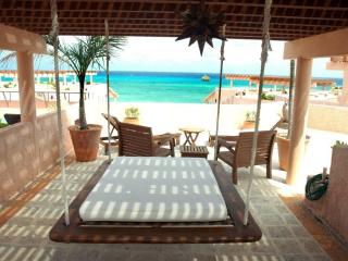 Luna Encantada - Ocean Front Penthouse amazing Views with private pool & Rooftop, Playa del Carmen