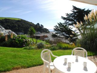 6 Mount Brioni located in Seaton, Cornwall, Looe