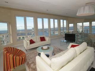 The Penthouse, 197 Ocean Views located in Portland, Dorset, Weymouth