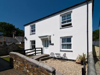 Pelican Cottage, Charlestown located in Charlestown, Cornwall, St Austell