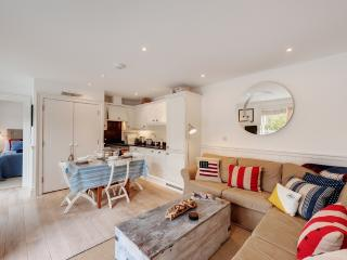 1 Garden Apartment, Prospect House located in Salcombe & South Hams, Devon