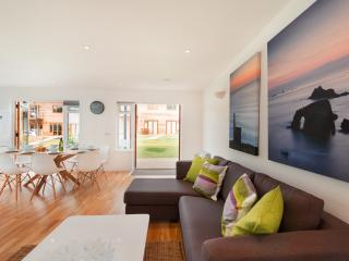 19 Garras located in Porthtowan, Cornwall