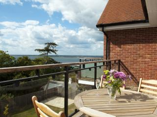 Heatherwood Lodge located in Totland Bay, Isle Of Wight, Freshwater