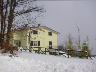 TOLASUDOLSA Rooms, Breakfast and Mountain Bike, Compiano