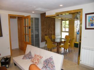 ESPACIOSO y completo apartamento en BRILLANTE, Córdoba