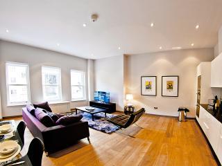 Upmarket Mayfair Apartment, London