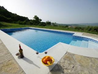 Ref. 253 - Apartamento amplio con piscina compartida, Tarifa