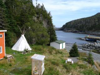 East Coast Newfoundland Tipi by the sea, Tors Cove