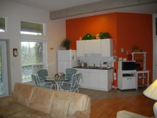Spacious suite on Sunshine Coast, Sechelt